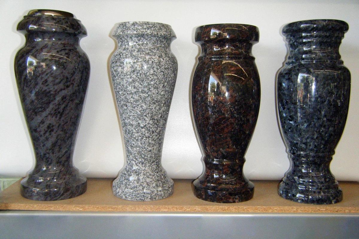 ustanovka-granitnyh-vaz